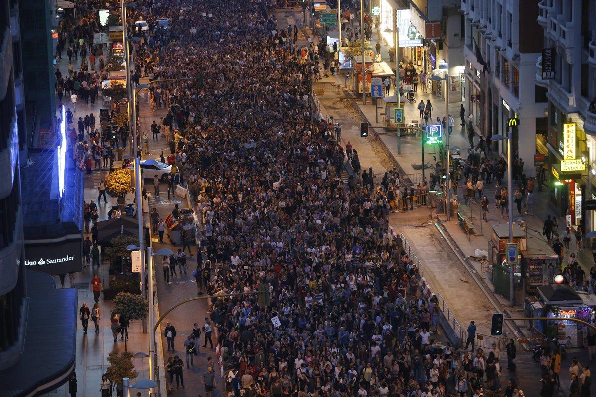 Oleada de protestas en toda España tras la sentencia a La Manada https://t.co/LIh8juuRzX