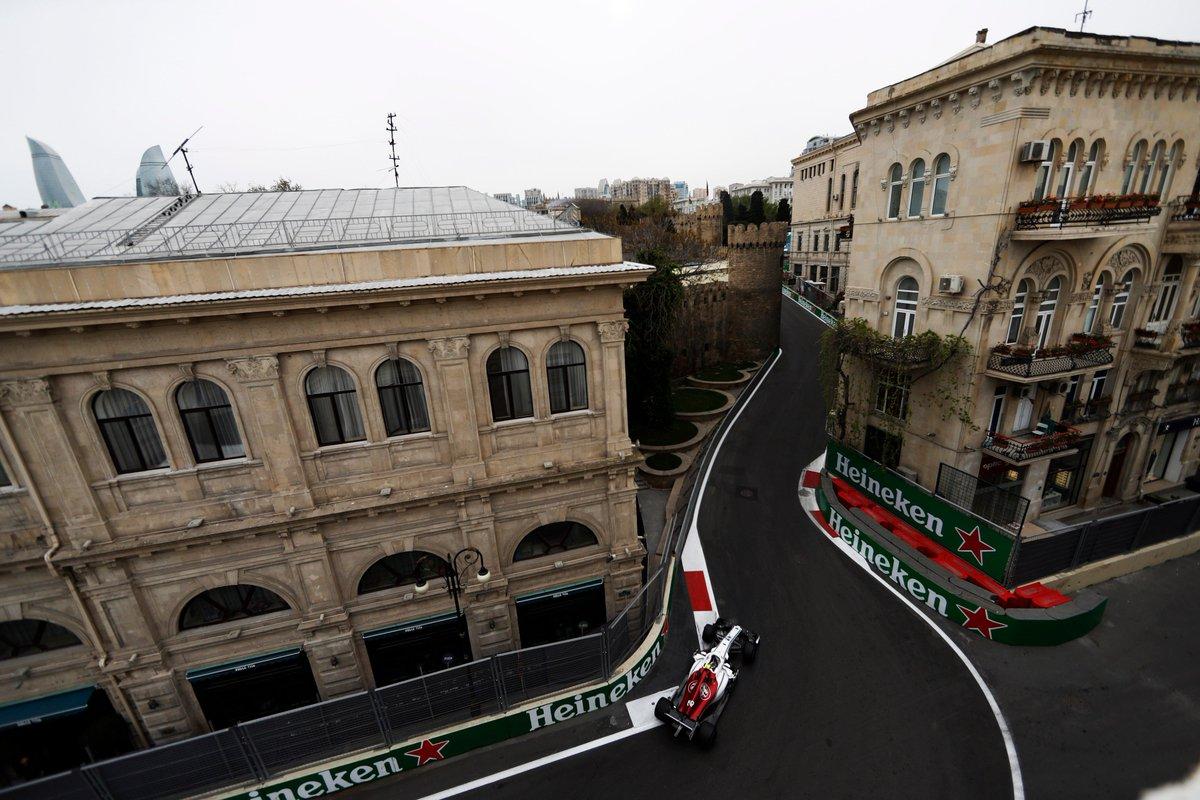 Viernes productivo para Sauber en Baku