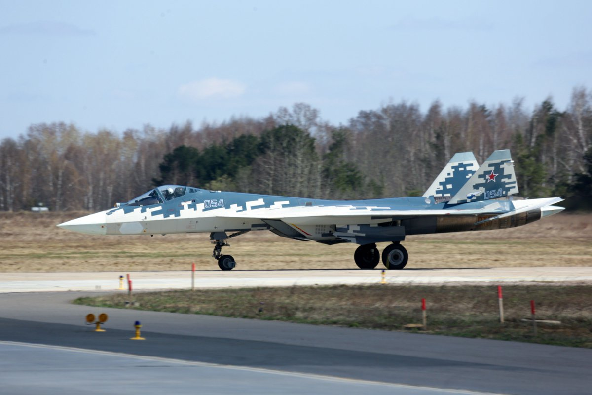 مقاتله Sukhoi T-50 PAK FA سيتغير اسمها الى Su-57  - صفحة 3 DbyPMzDX0AEcETc