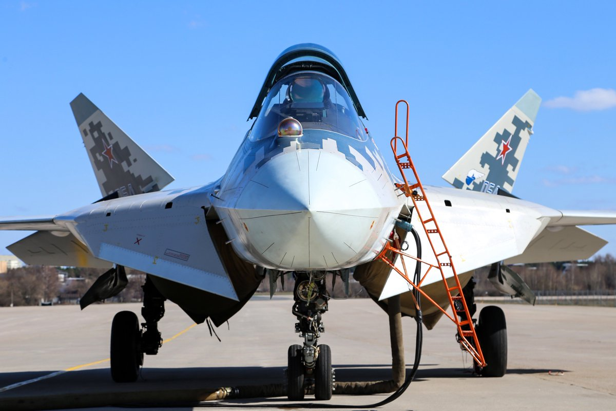 مقاتله Sukhoi T-50 PAK FA سيتغير اسمها الى Su-57  - صفحة 3 DbyPNy3WAAEEM-T
