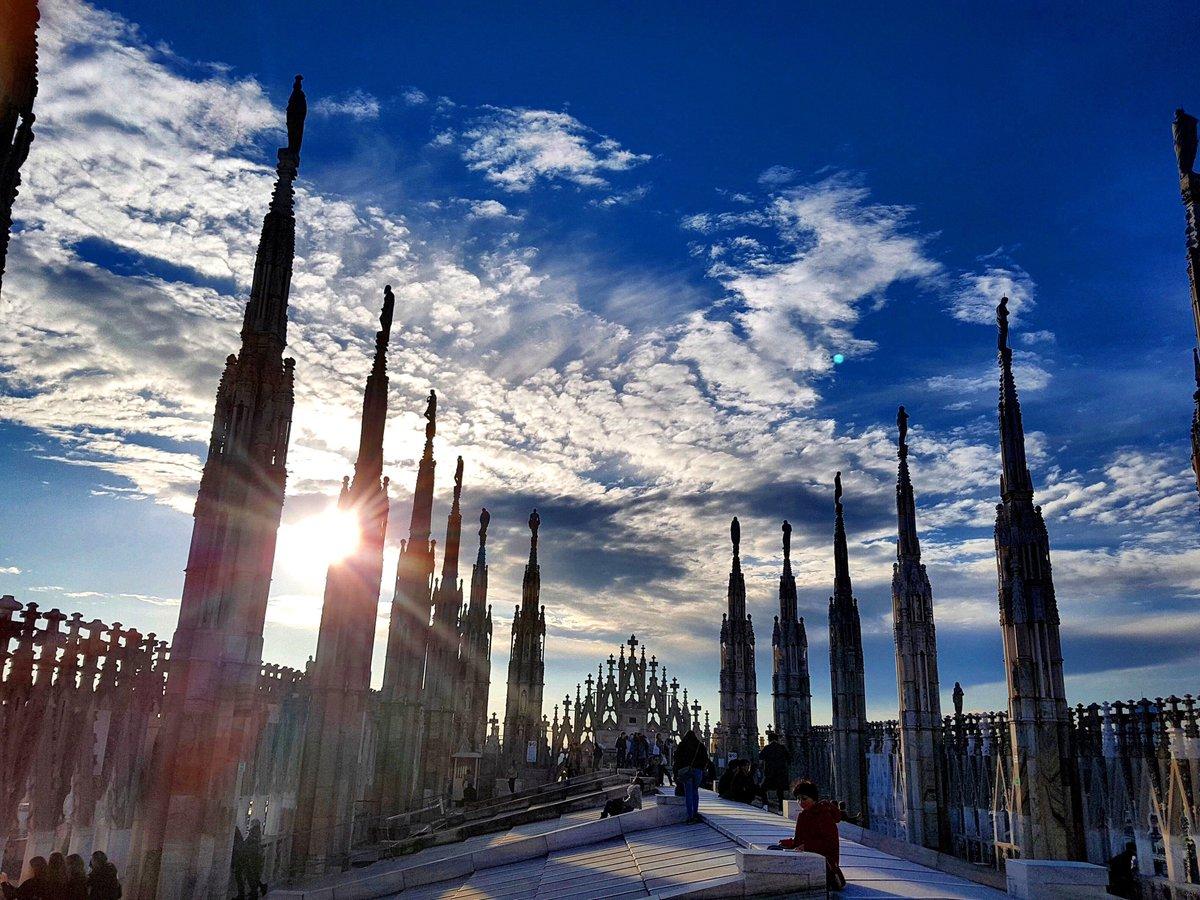 Duomo Di Milano En Twitter Camminare Al Tramonto Sul