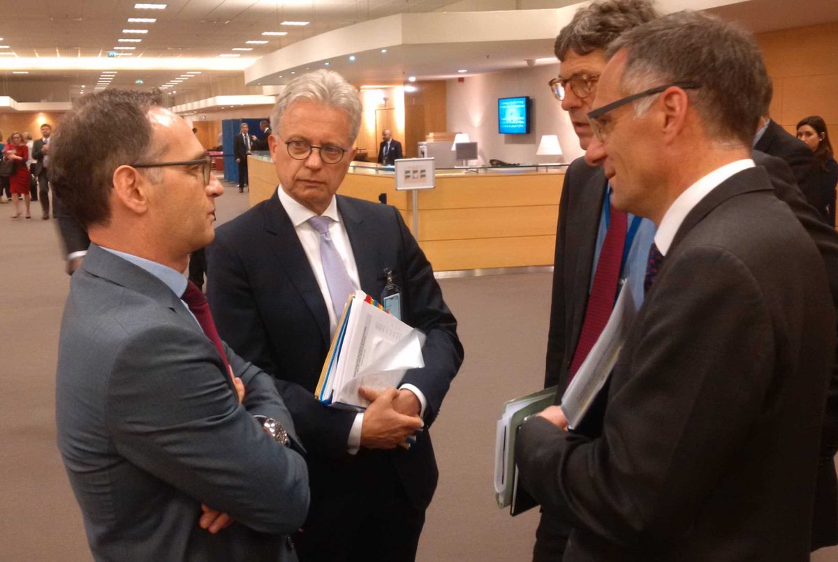 In the margins of @NATO ForMin meeting, FM @HeikoMaas met w @NATOscr Zimmermann to discuss peace & progress in AFG.