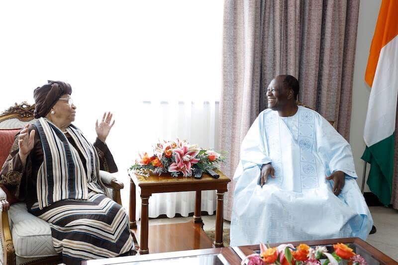 #prci Le Président de la République, Alassane OUATTARA, s'est entretenu, ce vendredi 27 avril 2018, à Kigali, avec l'ancienne Présidente du Liberia, Ellen JOHNSON-SIRLEAF, lauréate du Prix Mo Ibrahim pour le leadership d'excellence en Afrique, qui recevra son prix dans la soirée.