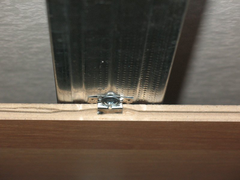 кляймеры для ламината на стену