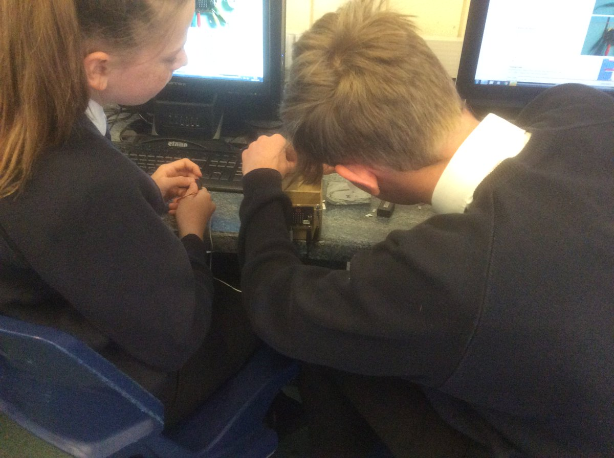 Wallingford School On Twitter Our Year 8 It Students Have Been Combination Lock Using Pic16f84 Microbits This Morning To Create A For Treasure Box