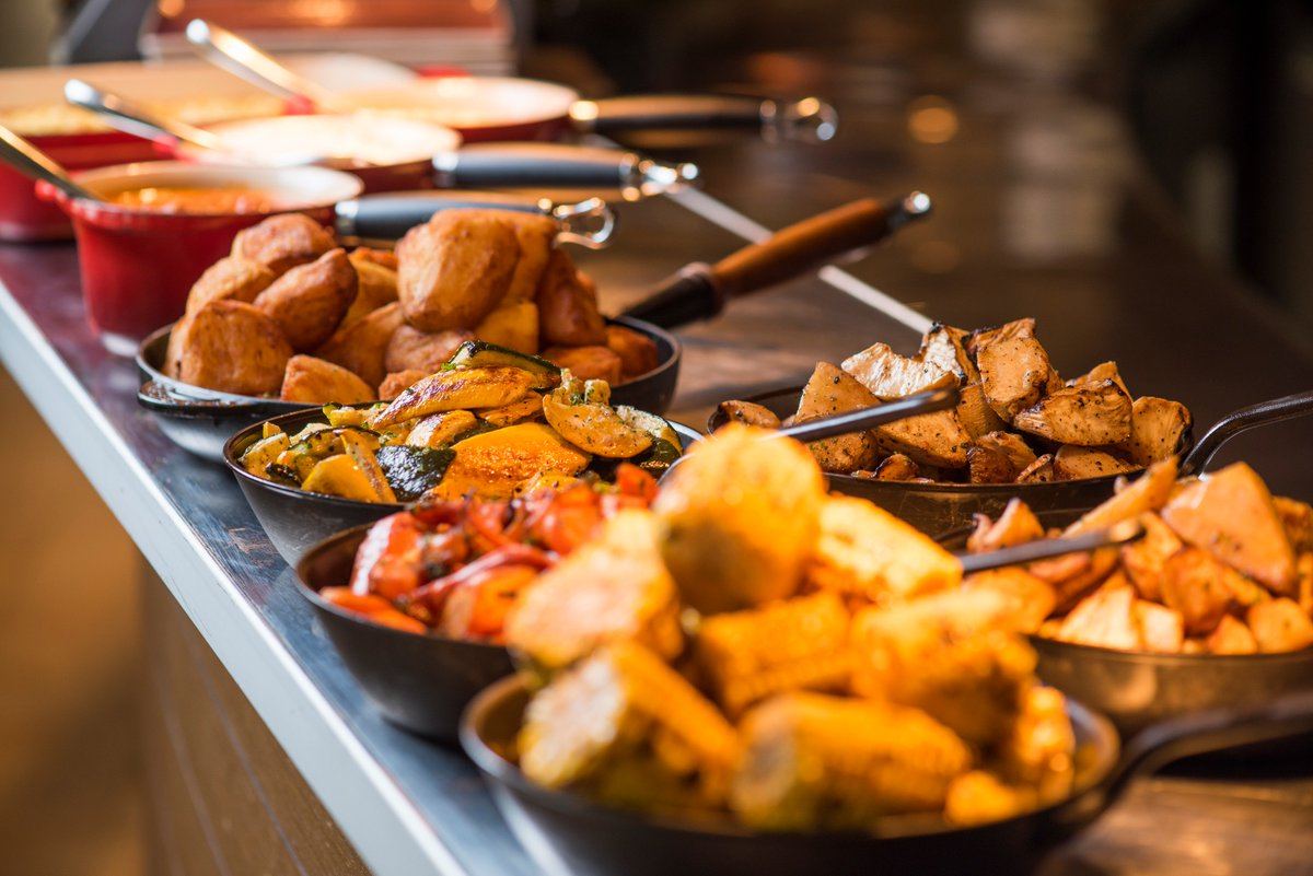 """The Els Club Dubai على تويتر: """"Don't miss the last weekend of the """"Big Easy Carvery"""" before #RamadanAtTheElsClub - gather your family and friends for a delicious time together!… https://t.co/JHfdkfF7zP"""""""