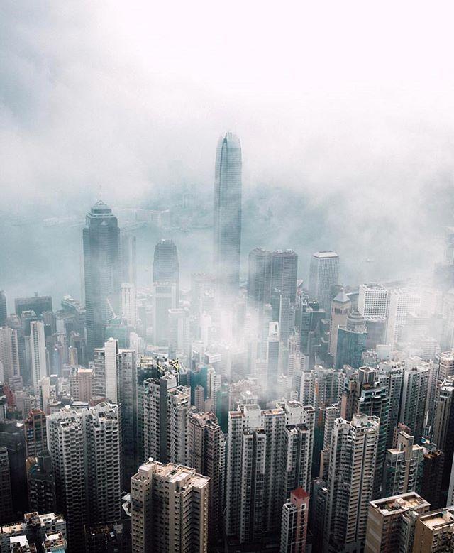 Instagram: Hong Kong || Enhanced using @lensdistortions by @rexlive.38 #LensDistortions instagram.com/p/BilqW7GjRaT/