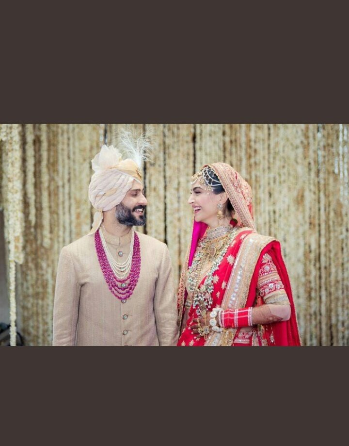 Here's Wishing Sonam Kapoor @sonamakapoor & Anand Ahuja @anandahuja A Very Happiest Married Life ! 🎂🎂 Best Wishing For Beautiful & Prosperous Life Together #SonamAndAnand #SonamKiShaadi #SonamAnandWedding