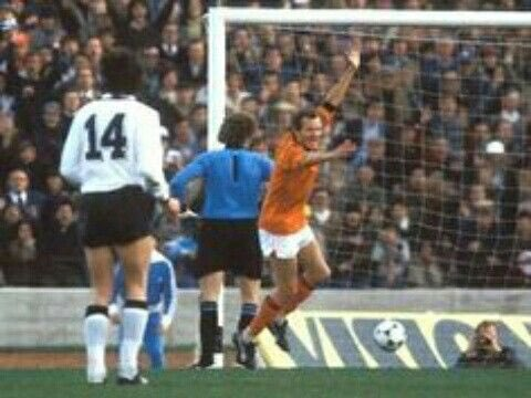 René van der #Kerkhof has just scored for #Netherlands against West #Germany in the 2-2 draw of the second round clash, a replay of the #WM74 finals. #Oranje78 #Oranje74 #Nederland #Oranje #FIFA #WorldCup #Mundial #Argentina https://t.co/Rs4Lc1LGvX