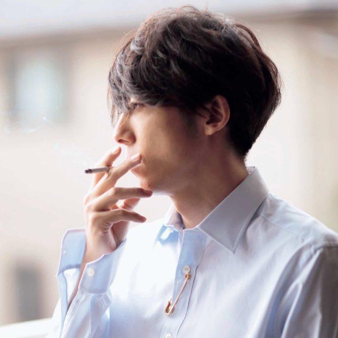 タバコを吸う髙橋一生がかっこいい