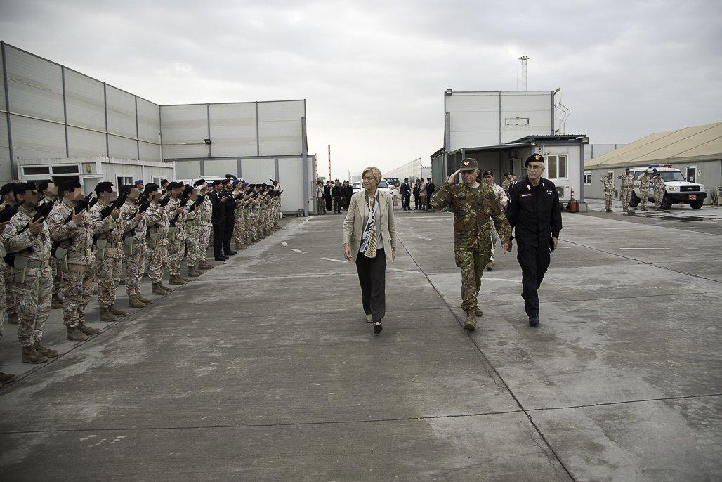 جهود التحالف الدولي لتدريب وتاهيل وحدات الجيش العراقي .......متجدد - صفحة 2 Dc1W7XqXkAEPW9h