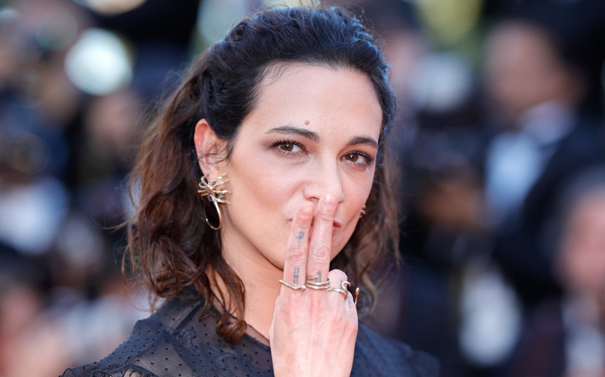 Asia Argento Italian ˈaːsja arˈdʒɛnto born Aria Maria Vittoria Rossa Argento 20 September 1975 is an Italian actress singer model activist and director