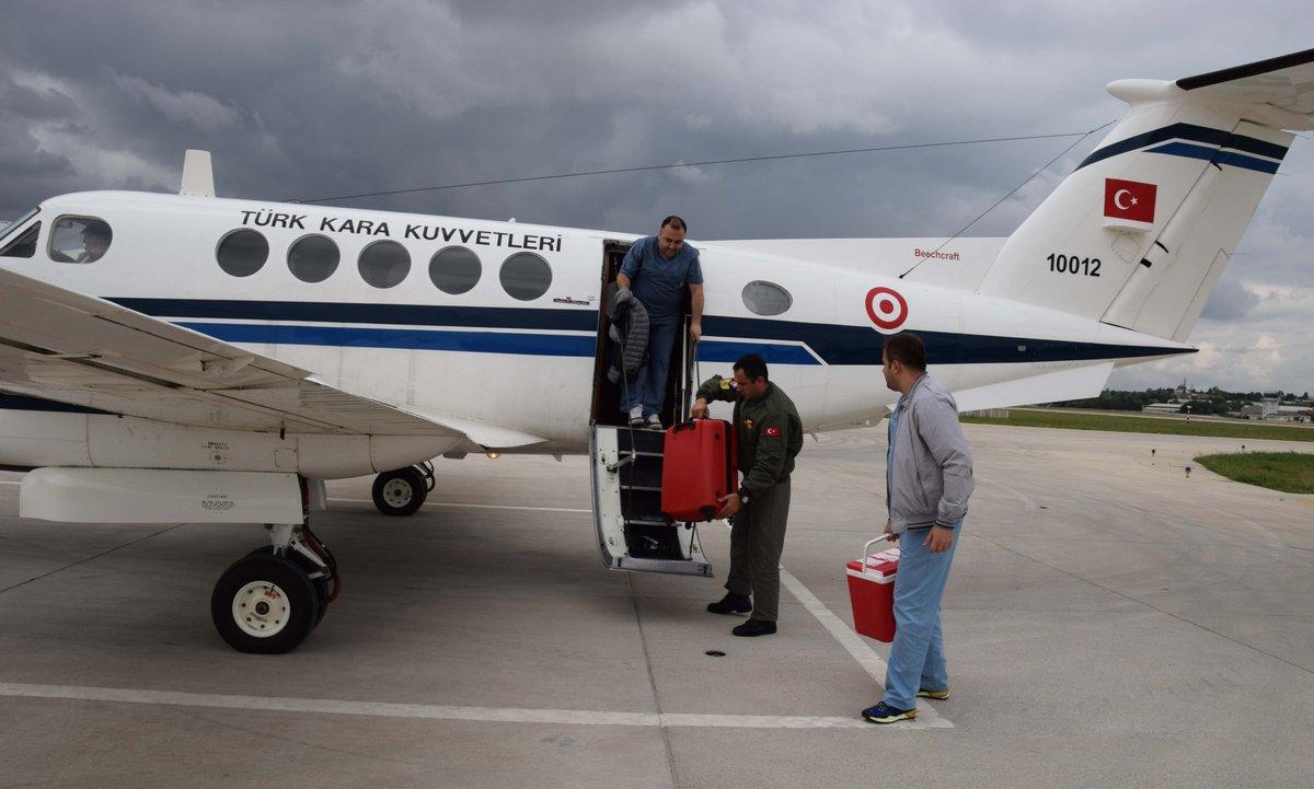 Kara Kuvvetleri Komutanlığından görevlendirilen bir uçak ile İstanbul'daki bir donörden, Ankara'da bulunan bir hastaya organ nakli yapılması sağlanmıştır. tsk.tr/GunlukFaaliyet…