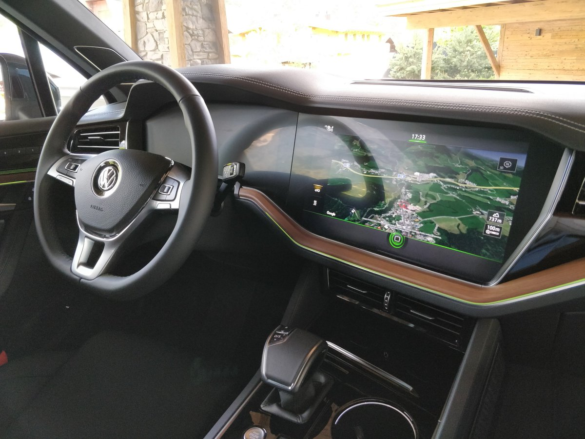 Christopher Minasians On Twitter Here S The Interior Of The 2018 Vw Touareg Park Assist Was An Interesting Experience Stay Tuned For My Full Review On Alphr Https T Co Ejr0kio7qg