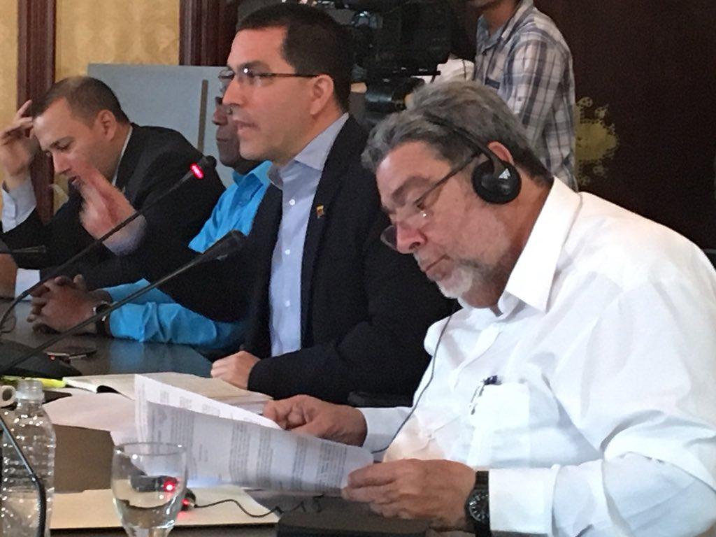 VueltaALaPatria - Dictadura de Nicolas Maduro Dc2bm2HXcAARQge