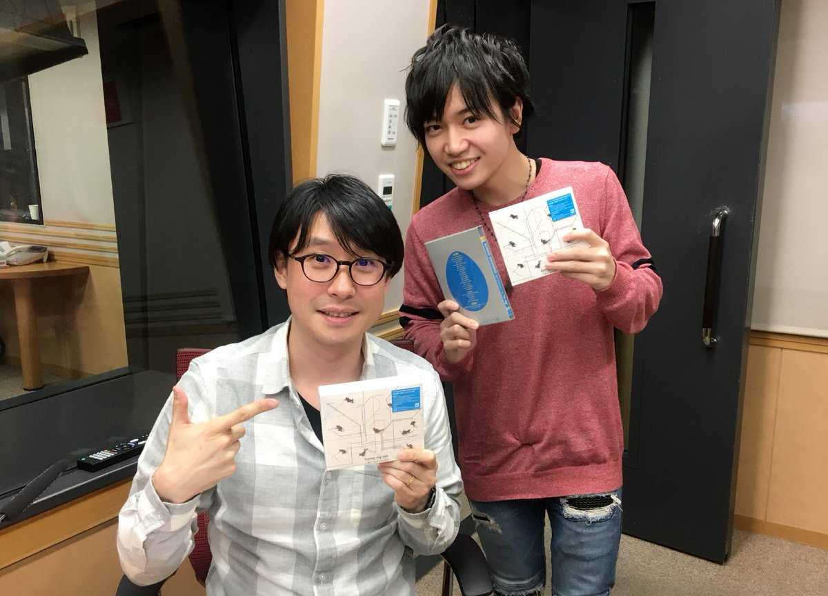 本日のゲストは木曜ユニゾン!の先輩、鈴村健一さん!! 音楽のお話はどこを取っても印象的で、心から引き込まれました。 伝統のコーナーを満喫したり、とても濃く楽しかった… 今日という機会に感謝しかないです! 尊敬できる先輩の後輩として改めて頑張ります! #unisong1134