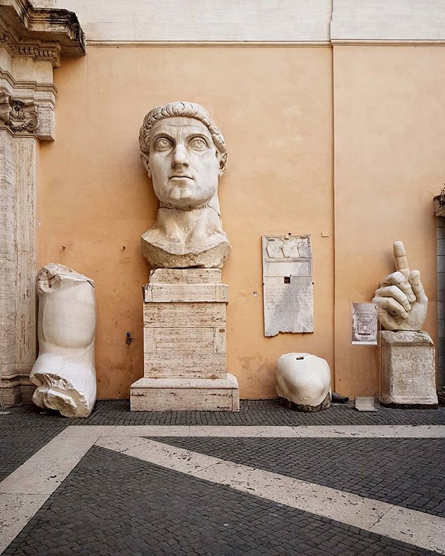 #CostantineTheGreat #Marble #statue #sculpture #antiquity #courtyard  @museicapitolini #Rome https://t.co/KoWMH9tBGD