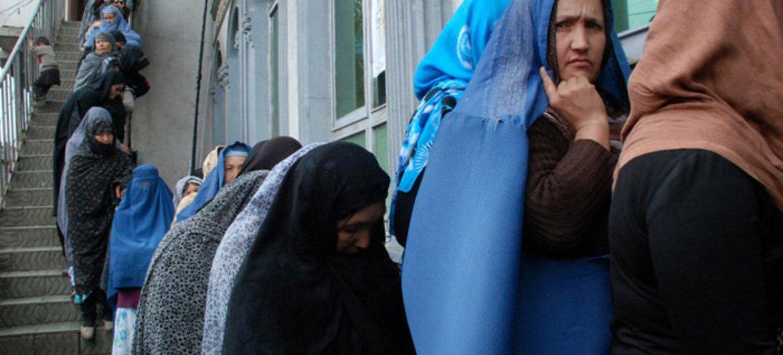 #Afghanistan🇦🇫: l'#ONU dénonce des violences dans des centres d'enregistrement des électeurs ►news.un.org/fr/story/2018/… @UNAMAnews
