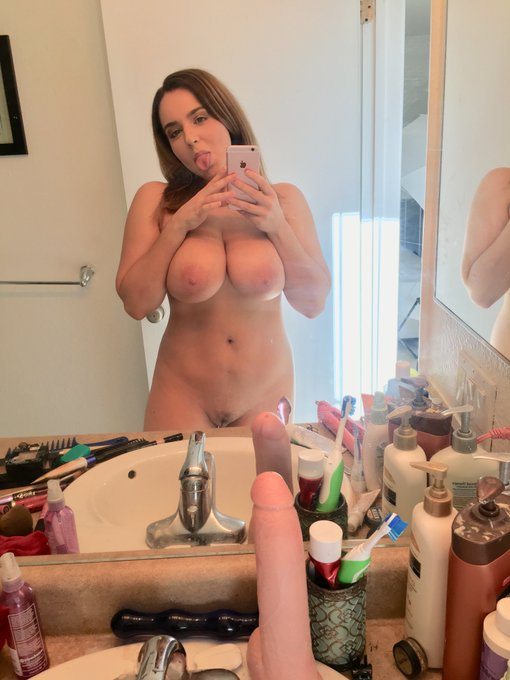 3 pic. Come cam with me daddy? https://t.co/jQD84FcYyV https://t.co/GFDtsVcbOy