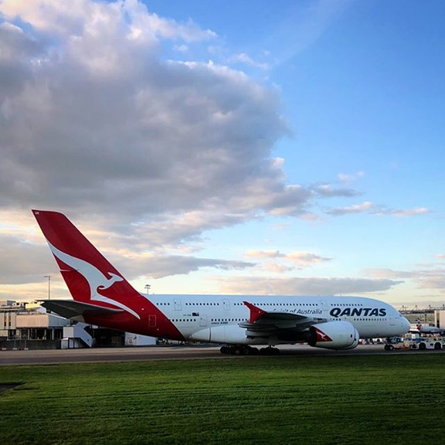 Qantas qantas twitter a very warm welcome to this qantas a380 just landed from dubai heathrowairport flying back all the way down to australia soon qantas flying plane stopboris