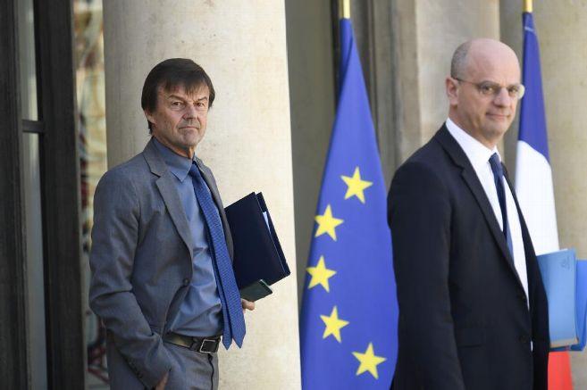 """Entreposage de déchets nucléaires à Belleville-sur-Loire : interrogé par @GLarrive le ministre de la transition écologique @N_Hulot affirme """"qu\"""