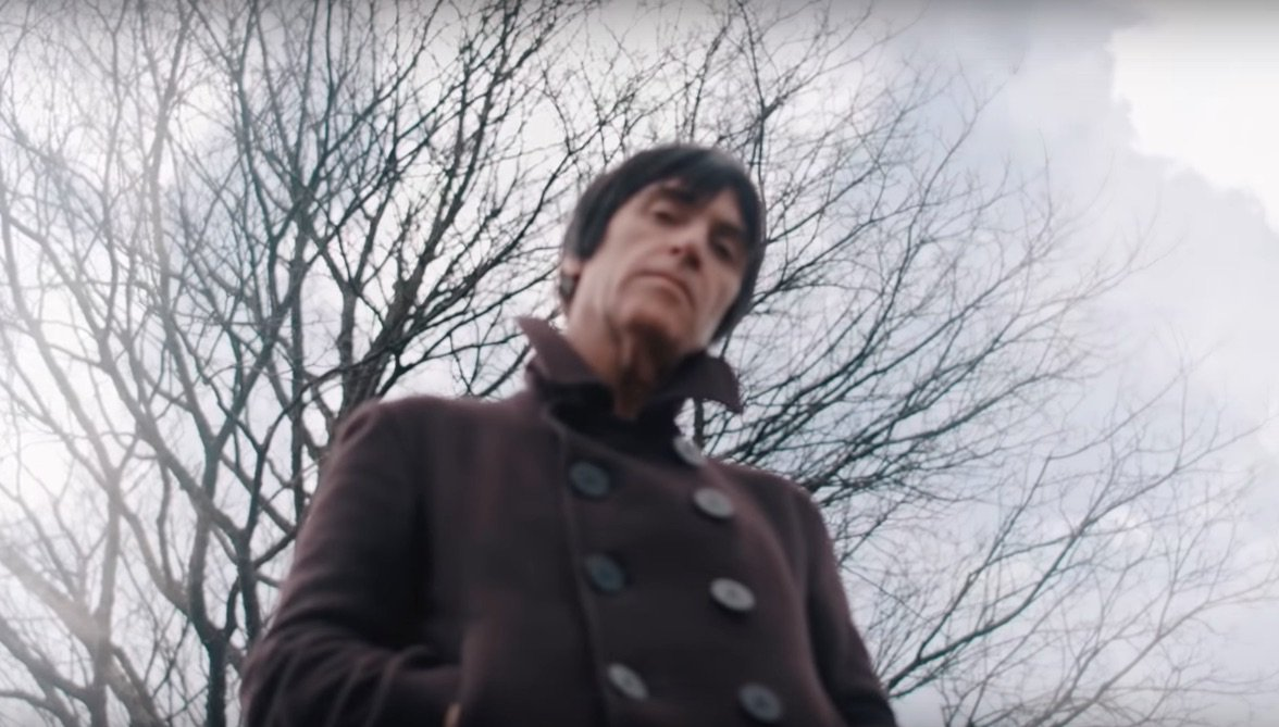 Check out @Johnny_Marr's video for the confident new single 'Hi Hello' https://t.co/uRWjCMPMW9 https://t.co/YuFCX96cyT