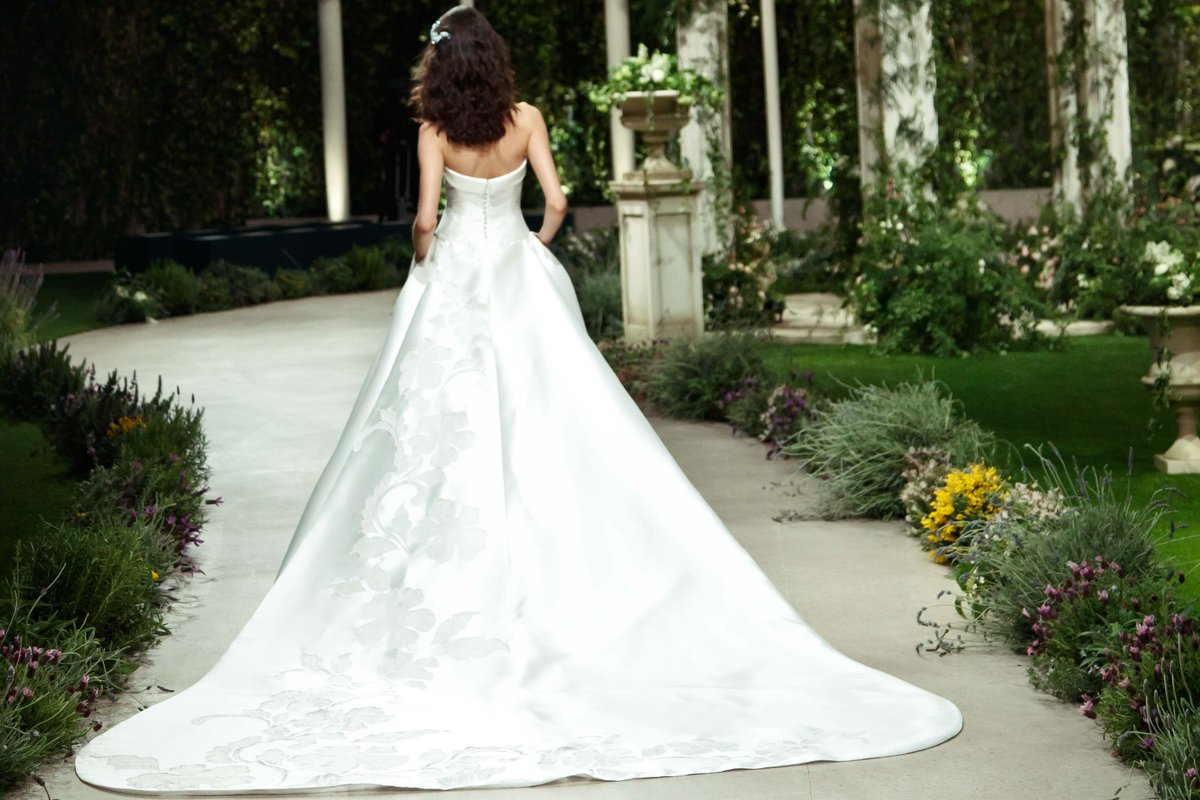 """Pronovias Real Wedding Inspiration: Pronovias On Twitter: """"Cassie Dress Is Simply Fit For A"""