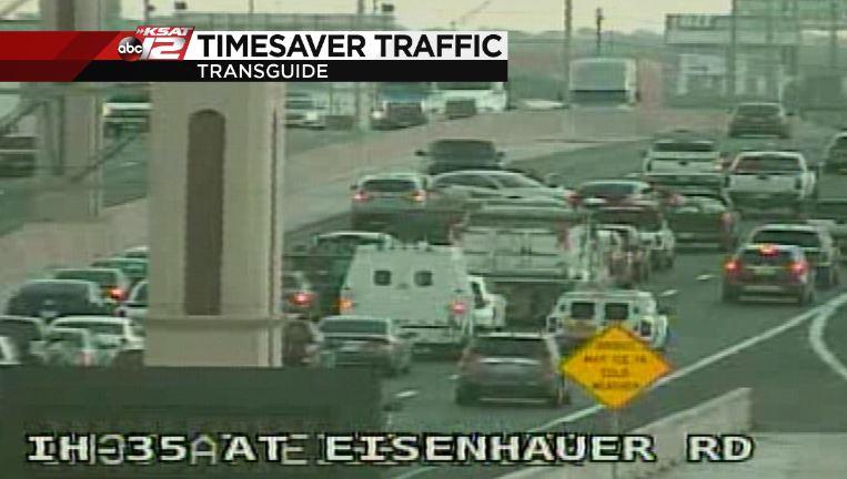 Eisenhauer: Accident NB I-35 between Eisenhauer and Walzem