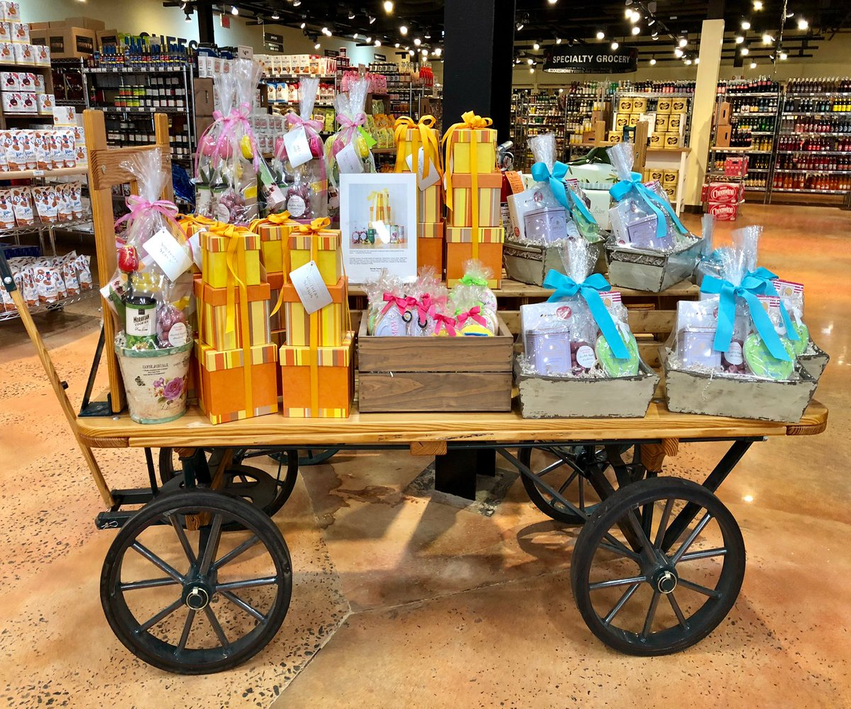 Don't have a gift yet? No worries! Swing by our store to pick up one of our speciality gift baskets perfect for Mom!pic.twitter.com/Gdo6UOXSb7
