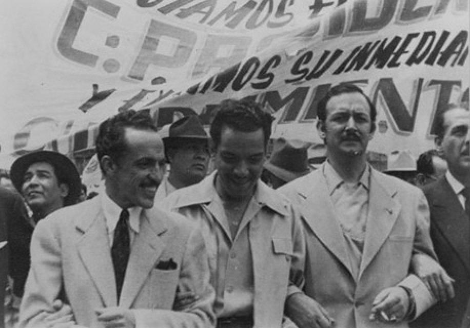 """TESSLA JAL on Twitter: """"Gabriel Figueroa; Mario Moreno """"Cantinflas"""" y Jorge  Negrete. #FotoHistórica #FotoDelDía #México #QueTalEsto #Jalisco #NuevoLeón  #Queretaro #CDMX #Sonora… https://t.co/X7J6F7ceyG"""""""
