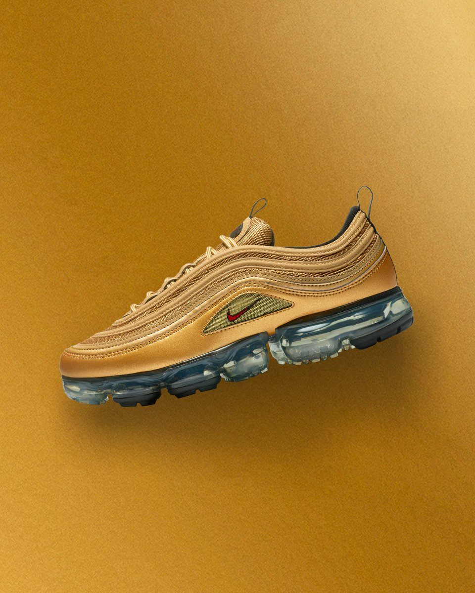 the latest 1c5e0 bd124 The Nike Air VaporMax 97  Metallic Gold . Coming soon to   sneakersnstuff.pic.twitter.com 86Qq7o6u5P