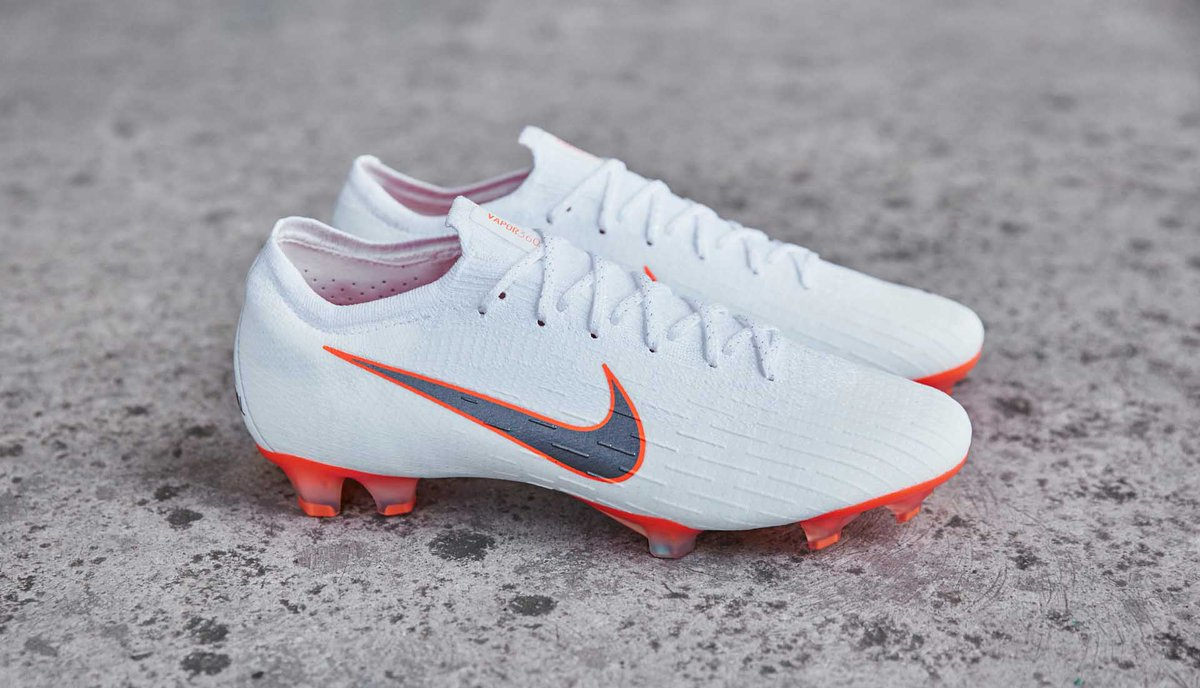 Soccerbible on twitter taking a closer look at the nikefootball do it pack for the 2018 world cup httpssoccerbibleperformancefootball boots201805a closer look at the lo cut nike just do it pack voltagebd Gallery