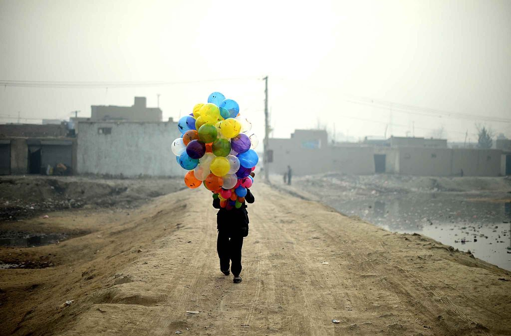 Cliché réalisé par le photographe afghan de l'AFP Shah Marai, tué ce matin dans un attentat à Kaboul (via @lmgaveriaux)