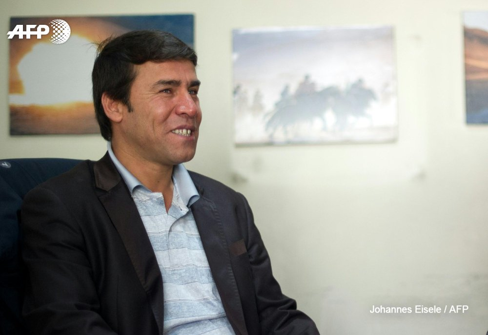 #UPDATE  Agence France-Presse's chief photographer in Kabul, Shah Marai, has been killed. He died in a blast that was targeting a group of journalists who had rushed to the scene of a suicide attack in the Afghan capital