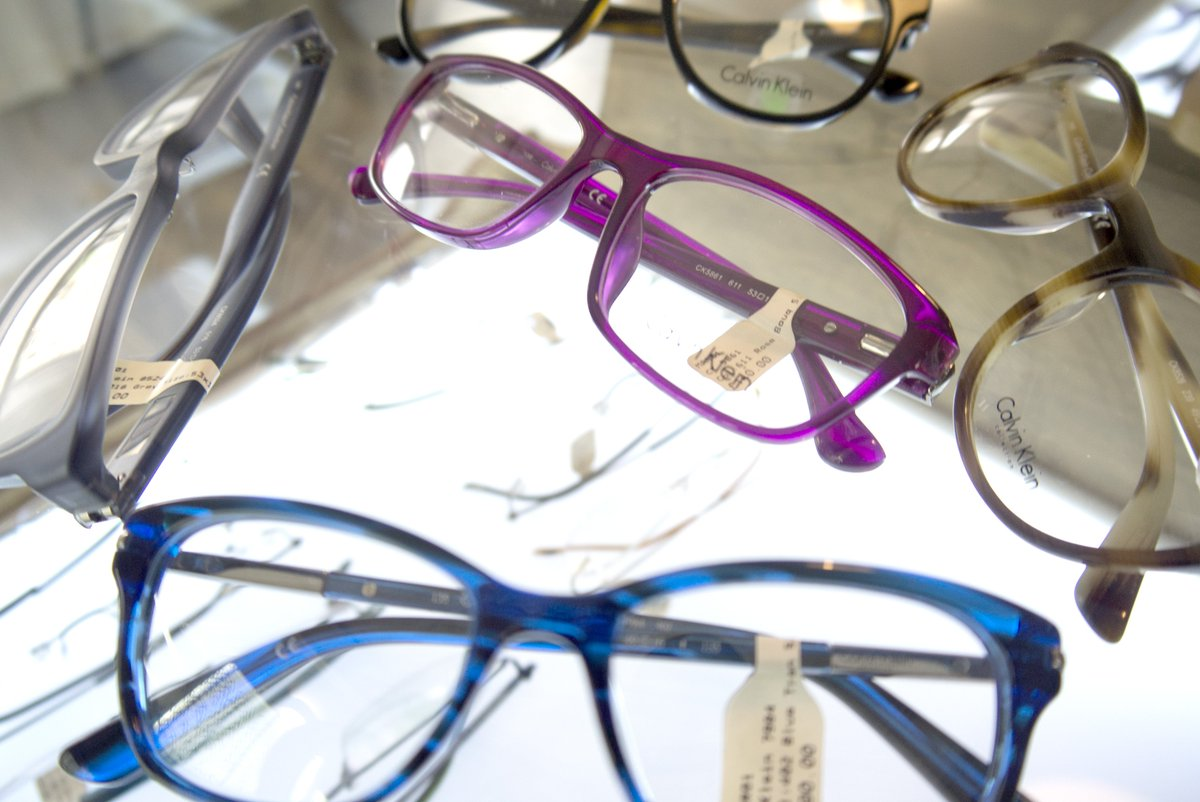 How To Choose Glasses The Best Glasses For Face Shape Skin Colour