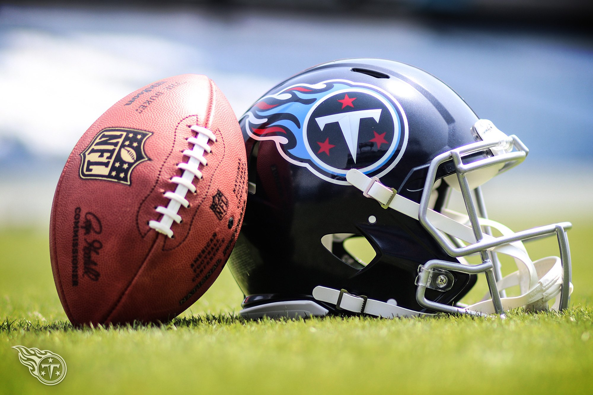 #Titans release three players following the NFL Draft   Roster Moves �� » https://t.co/sGrzLhBLzU https://t.co/vZnPp6WTWC