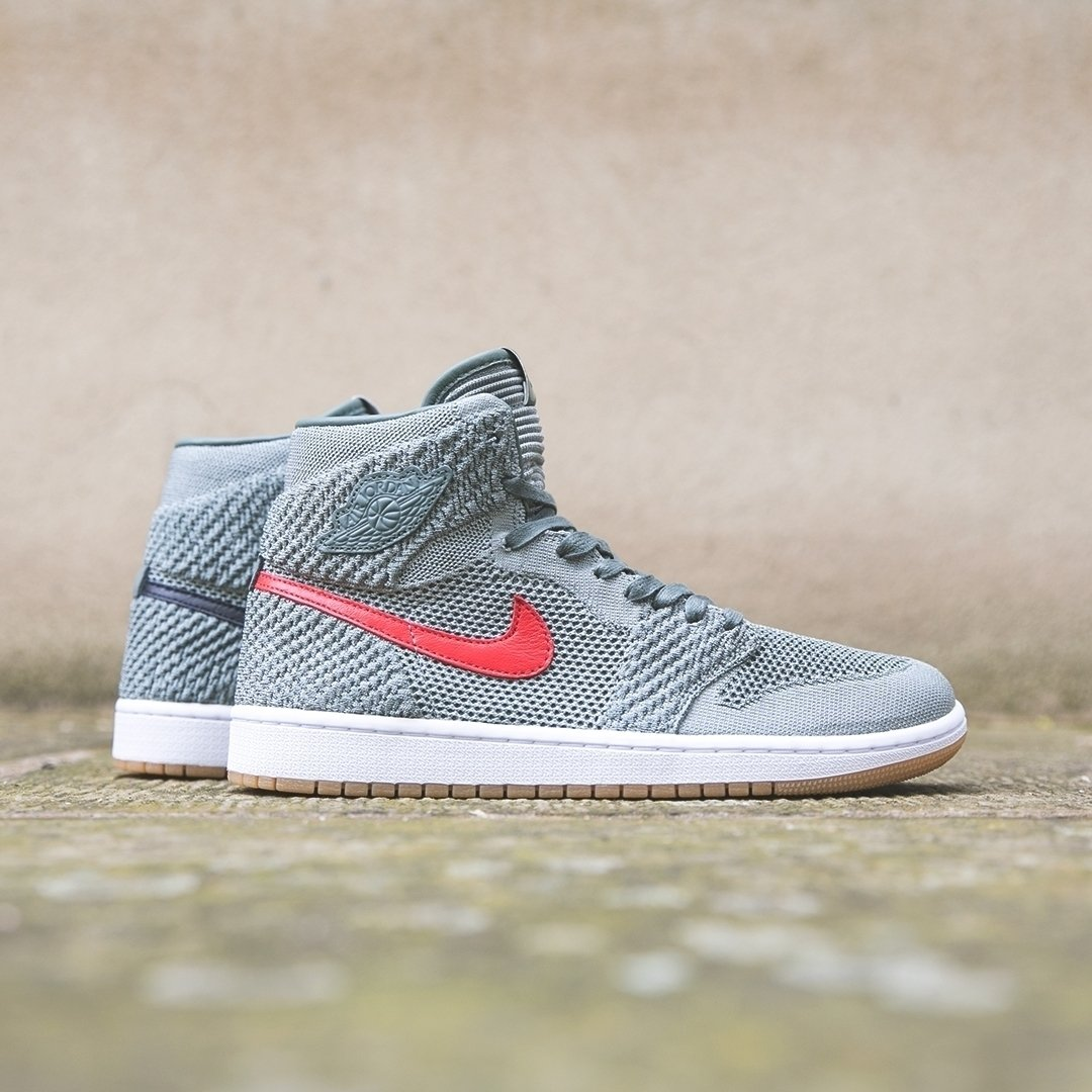 official photos 2c7a9 b0f75 ... 番号:919704-333 http://www.fullress.com/2018/04/30-nike-air-jordan-1-retro -high-flyknit-best-hands-in-the-game-air-max-97-wolf-grey-tour-yellow/ …