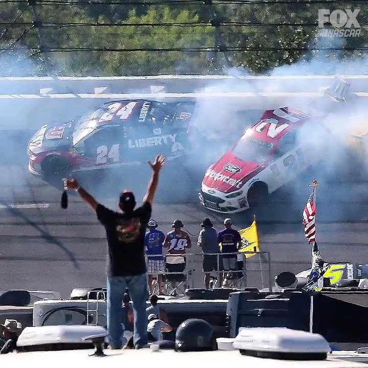 10 photos of the wreckage from Talladega. https://t.co/CraXgf5yrP