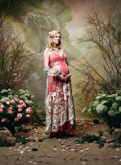 Happy birthday Kirsten Dunst! See our gallery of the star\s best maternity looks: