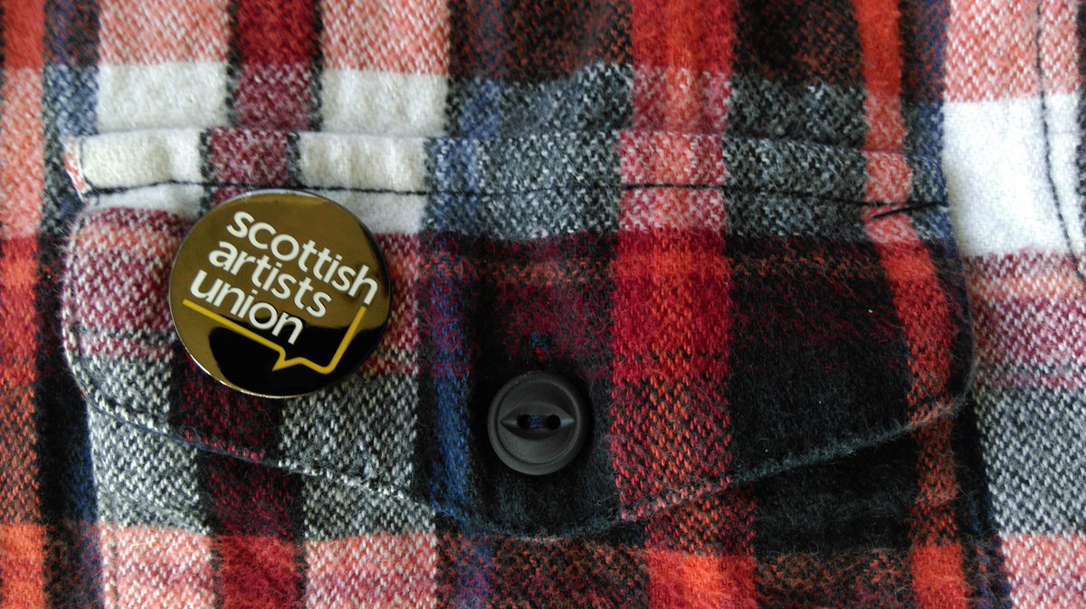 So excited to get my SAU membership badge! Our new enamel badges are being dispatched to all Scottish Artists Union members this week. @SCOArtistsUnion #SAUbadge #artists #Scotland #visibility #solidarity <br>http://pic.twitter.com/aNNGOJ5Vh5