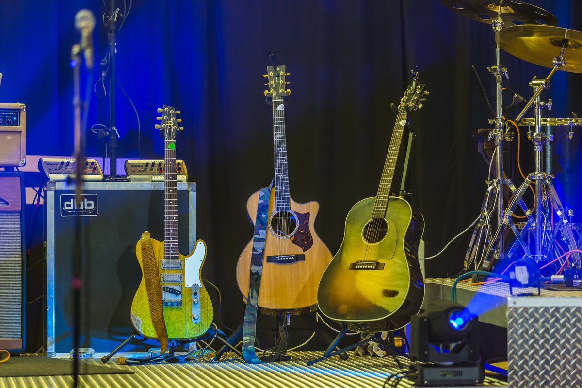 Darren Bessette Band On Twitter Well Be Bringing These Guitars