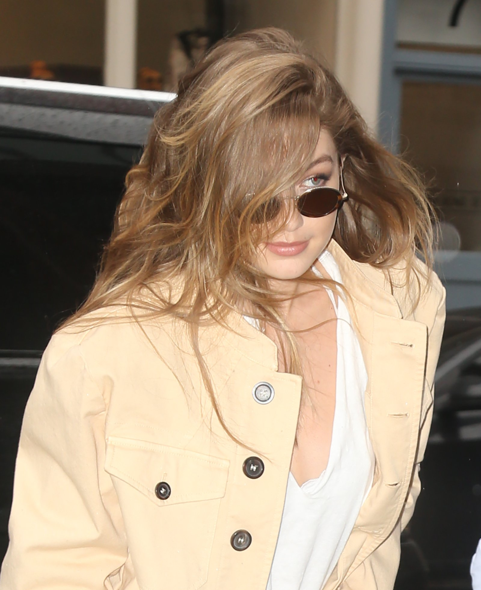 Gigi Hadid Source On Twitter April 30 Arriving At Inside Flats Khaky 37 Her Apartment In Nyc