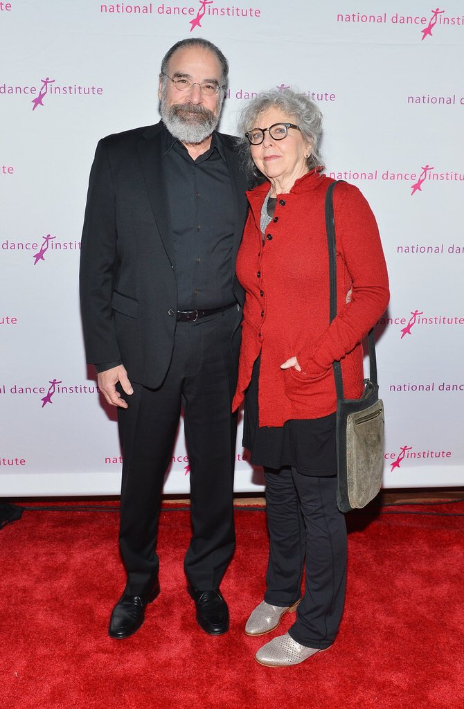 @PatinkinMandy (L) and #KathrynGrody attend the #NDIgala at The Ziegfeld Ballroom on April 30, 2018 in New York City. (Photo by Noam Galai/Getty Images for @NationalDance) #nationaldanceinstitute