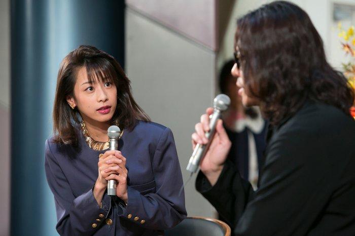 アナウンサー役の加藤綾子