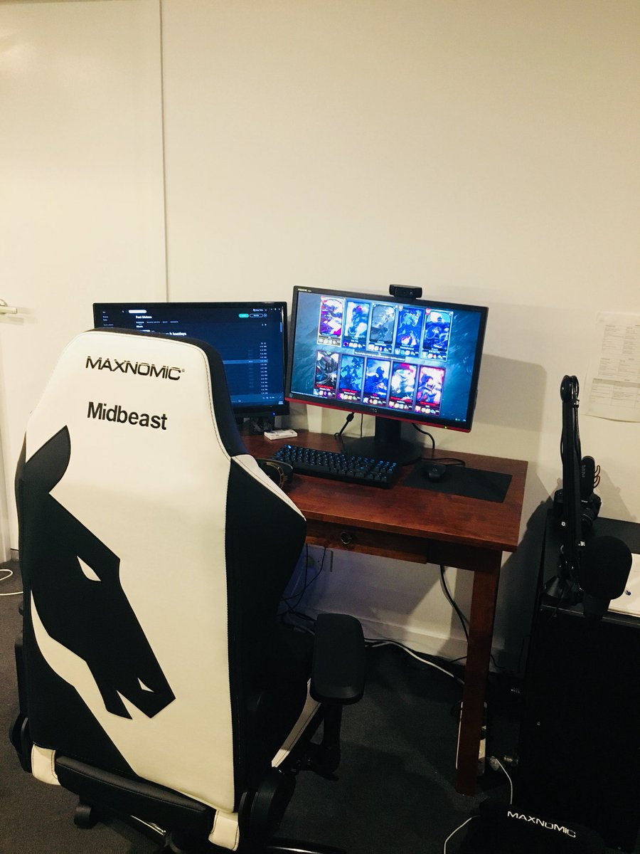 Awesome Drew On Twitter Absolutely Stoked With My New Gaming Chair Evergreenethics Interior Chair Design Evergreenethicsorg