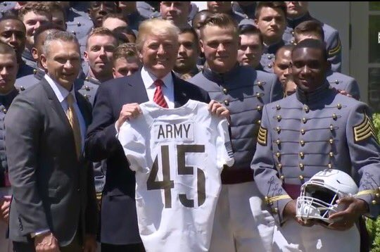 8a1de0c94 2017  ArmyFootball captains Ahmad Bradshaw   John Voit present President  Trump with 10th Mountain Division jersey from  ArmyNavyGamepic.twitter.com   ...