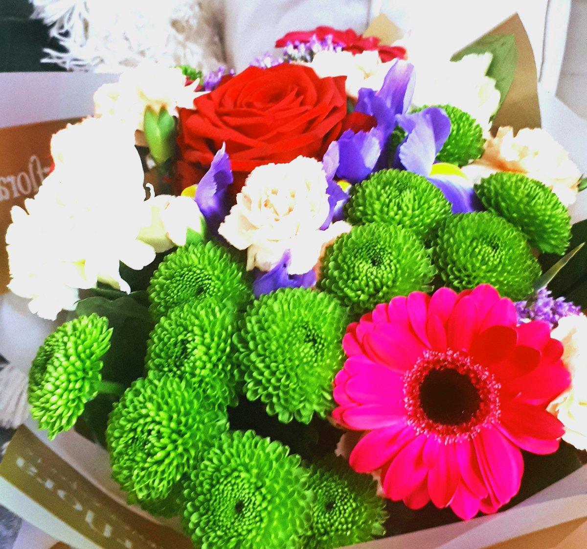 Colleen prendergast on twitter thank you raaudiobooks for my colleen prendergast on twitter thank you raaudiobooks for my beautiful flowers such a lovely surprise xxx izmirmasajfo