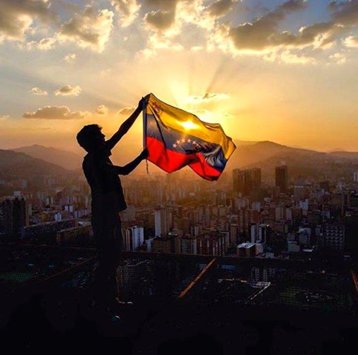 Tag operaciónmanosdepapel en El Foro Militar de Venezuela  DcHl2WGWAAAu5WL