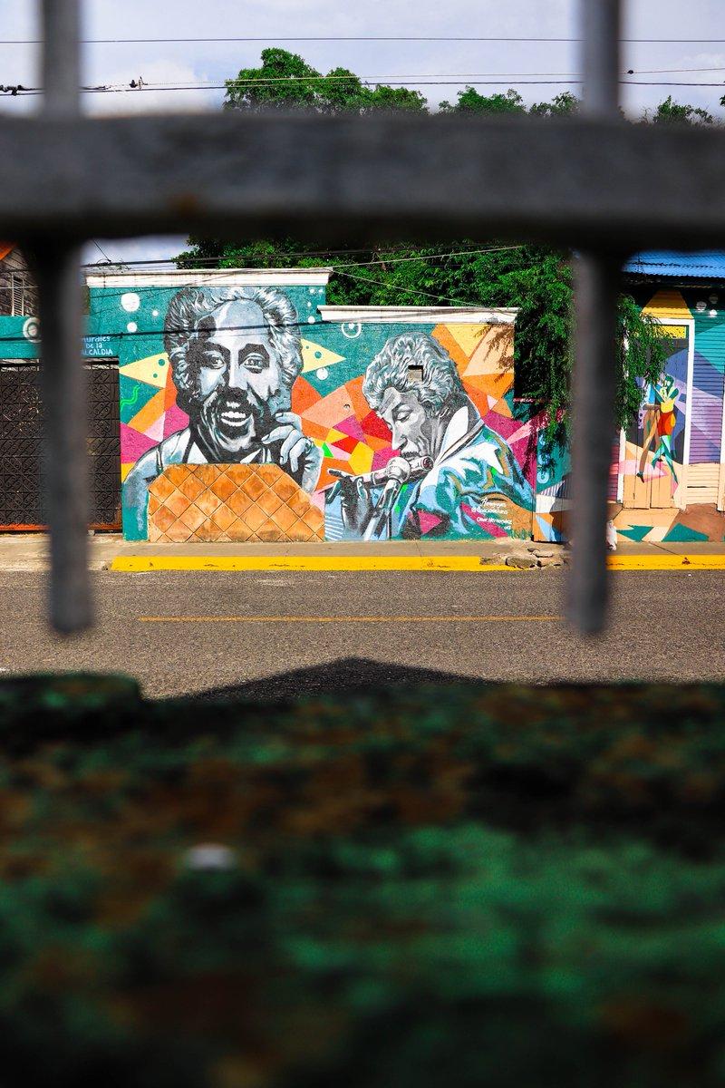 Resultado de imagen de mural de johnny pacheco en santiago