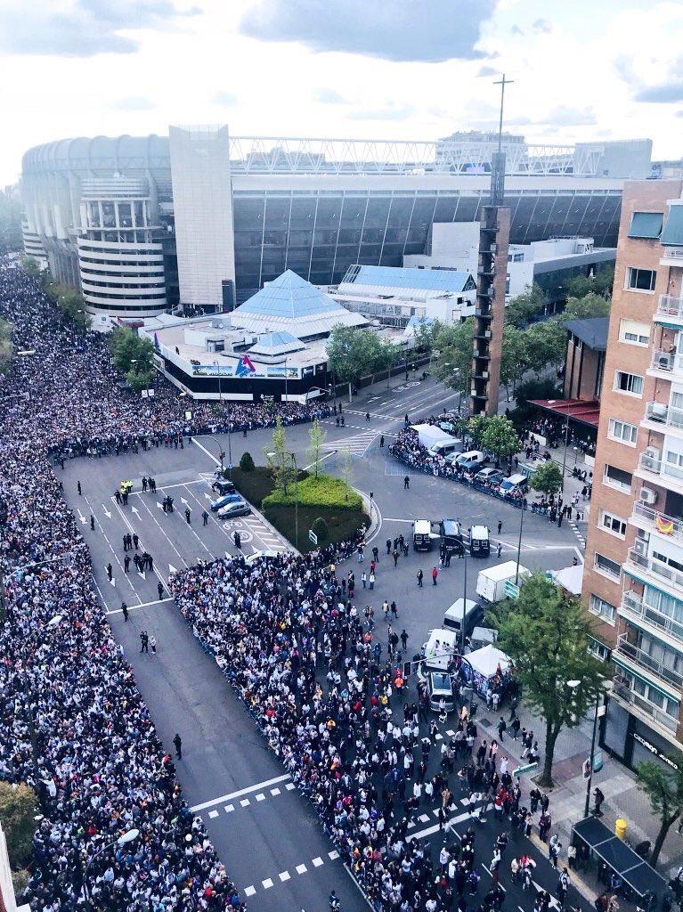 CHAMPIONS  SEMIFINALES (VUELTA) 01/05/2018 REAL MADRID BAYERN - Página 3 DcILkVbW4AEquIk